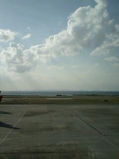 沖縄空港から関西空港へ…